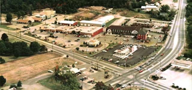 Oak Hill Plaza -1982